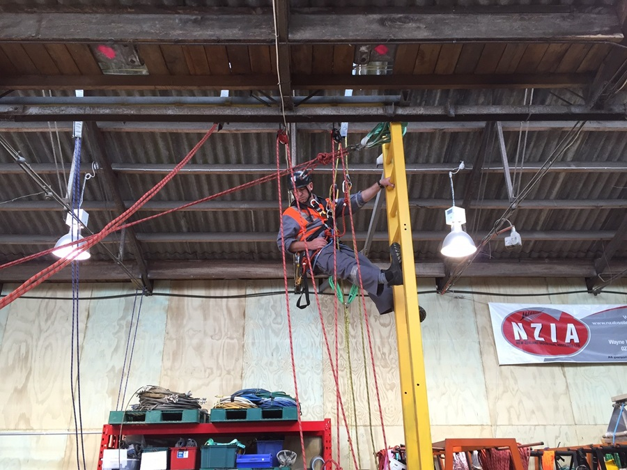 NZIA completes complex rescue training which is externally assessed to meet with international industrial rope access standards